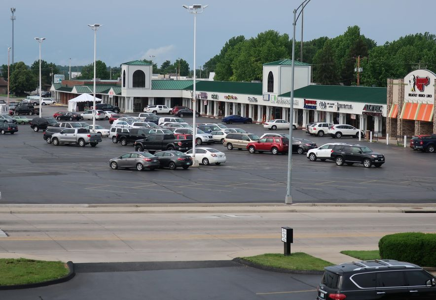 3863 South Campbell Avenue E Springfield, MO 65807 - Photo 15