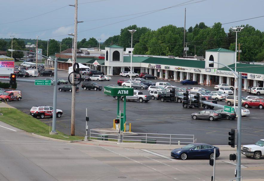 3863 South Campbell Avenue E Springfield, MO 65807 - Photo 3