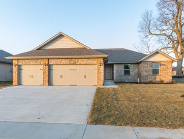 5785 East Conservatory Strafford, MO 65757 - Image 1