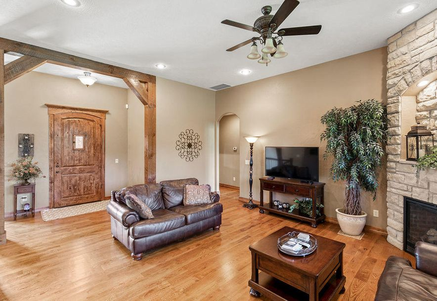 288 Woodland Park Drive Clever, MO 65631 - Photo 10