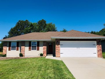 215 Dixie Avenue Clever, MO 65631 - Image 1