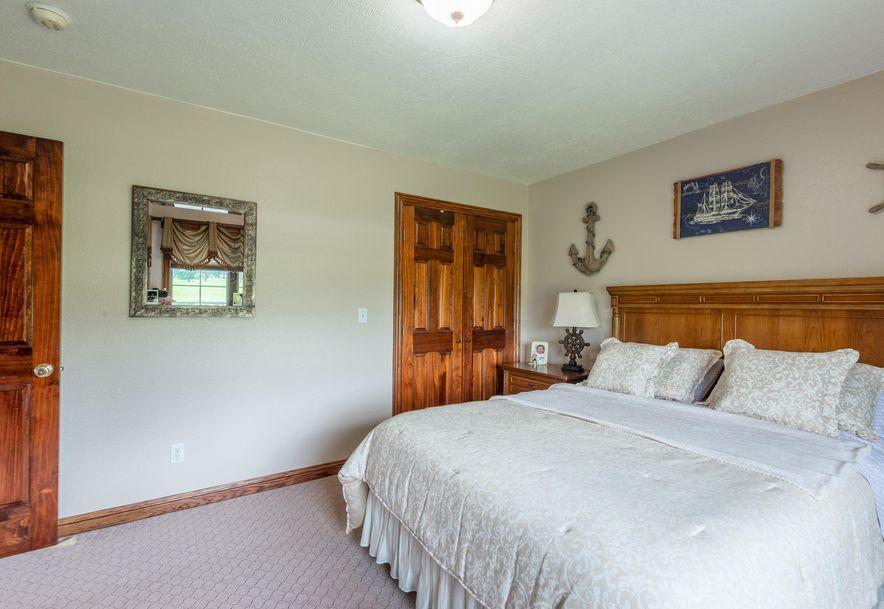 1153 Whispering Oaks Road Marshfield, MO 65706 - Photo 35