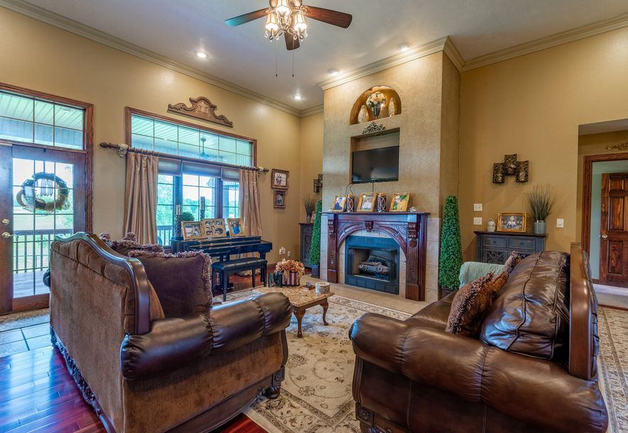 1153 Whispering Oaks Road Marshfield, MO 65706 - Photo 8