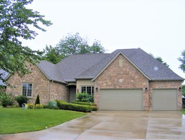 2405 East Old Ivy Street Springfield, MO 65804 - Image 1