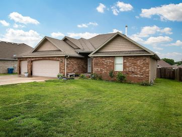 204 Finch Court Willard, MO 65781 - Image 1