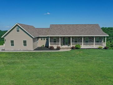 300 Spring View Place Reeds Spring, MO 65737 - Image 1