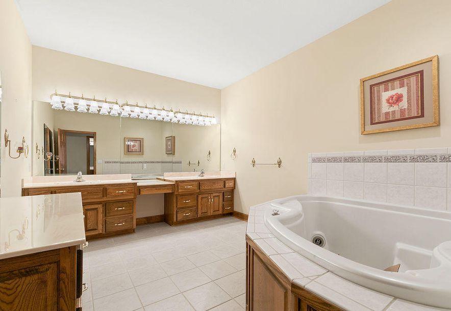 1470 Lakewood Court Bolivar, MO 65613 - Photo 23