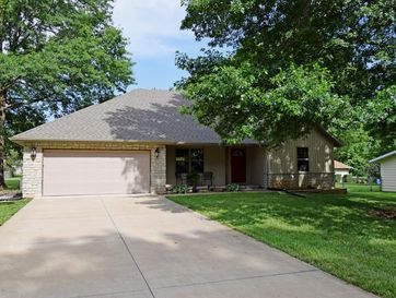 710 North 10th Avenue Ozark, MO 65721 - Image 1