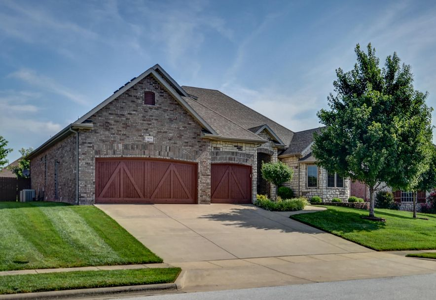 2829 East Woodford Street Springfield, MO 65804 - Photo 2