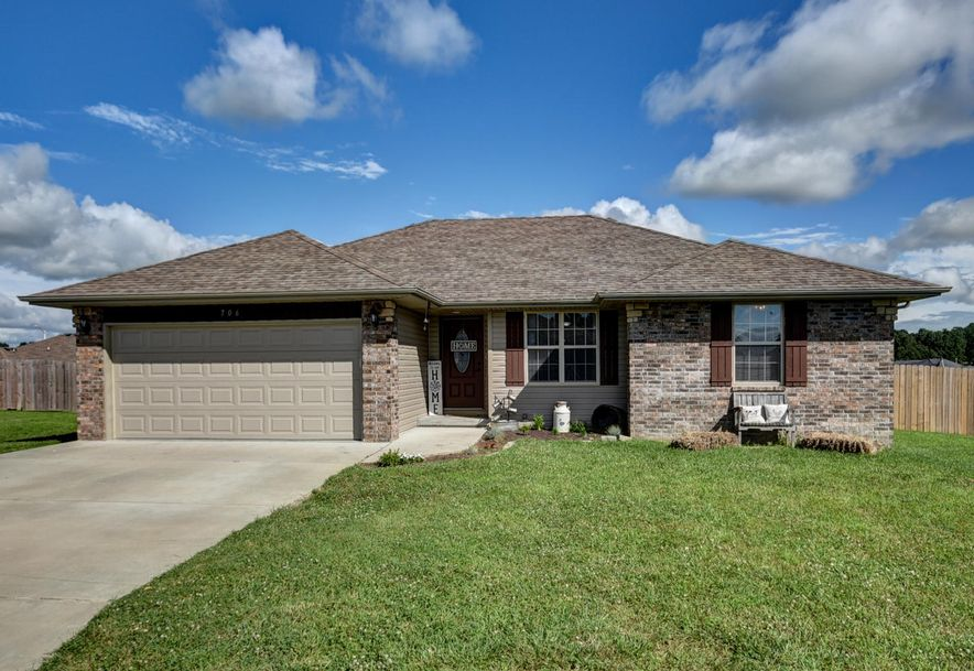 706 North Christopher Lane Clever, MO 65631 - Photo 1