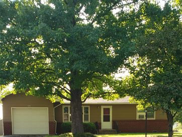 526 North Russell Avenue Bolivar, MO 65613 - Image 1