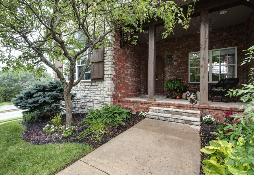 6119 South Overlook Trail Springfield, MO 65810 - Photo 2