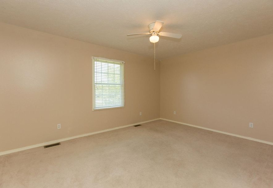 1461 West High Point Circle Springfield, MO 65810 - Photo 11