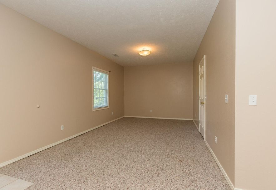 1461 West High Point Circle Springfield, MO 65810 - Photo 20
