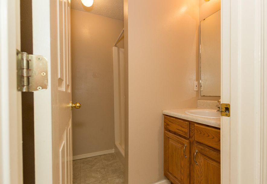 1461 West High Point Circle Springfield, MO 65810 - Photo 27