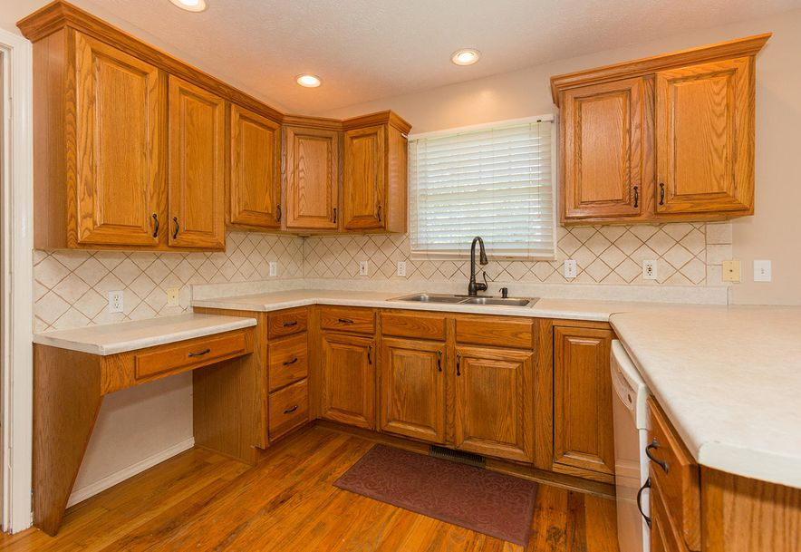 1461 West High Point Circle Springfield, MO 65810 - Photo 5