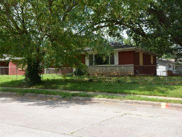 Photo of 2555 North Johnston Avenue