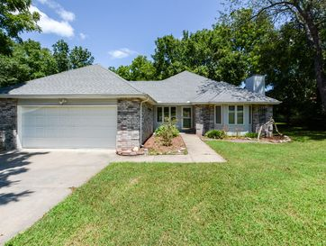 132 Eagle Valley Court Hollister, MO 65672 - Image 1
