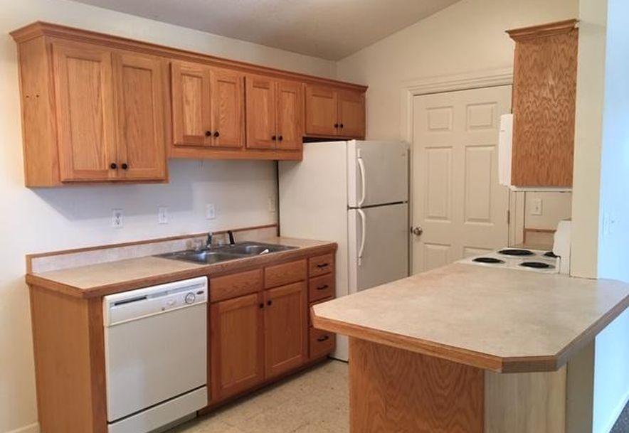 633 East Missouri Buffalo, MO 65622 - Photo 4