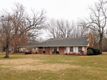 1520 South Hudson Avenue Aurora, MO 65605 - Image 1