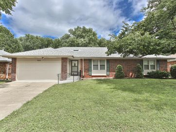 3212 South Jefferson Avenue Springfield, MO 65807 - Image 1