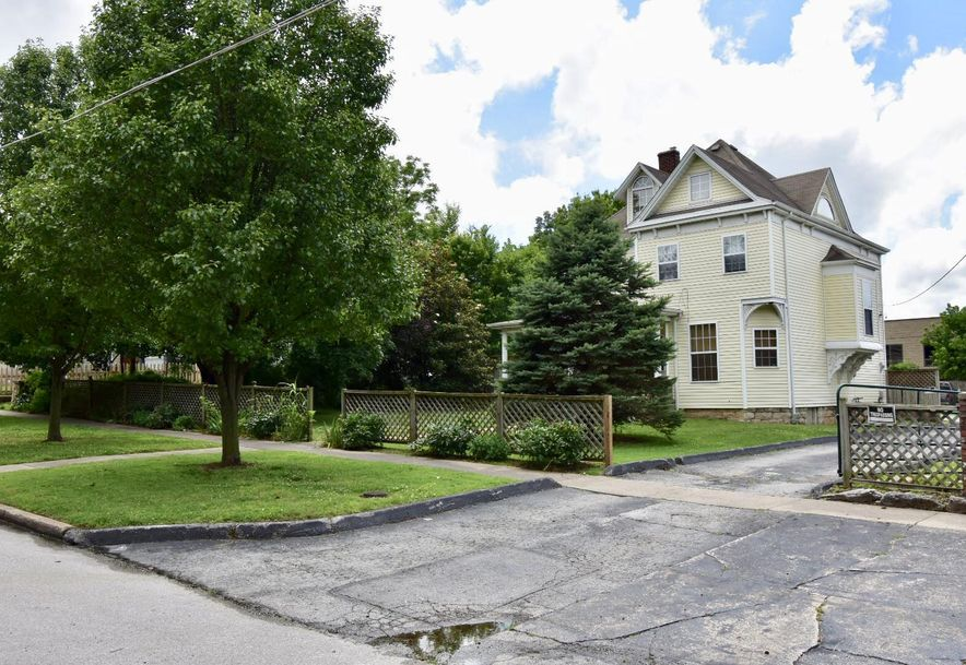 2019 North Douglas Avenue Springfield, MO 65803 - Photo 9