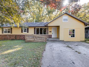 2956 East Southeast Circle Springfield, MO 65802 - Image 1