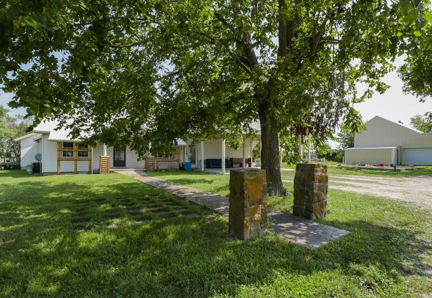 1231 East Clinton Road Seymour, MO 65746 - Photo 2