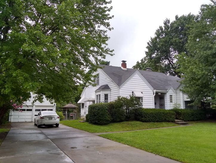 Photo of 1421 South Fremont Avenue