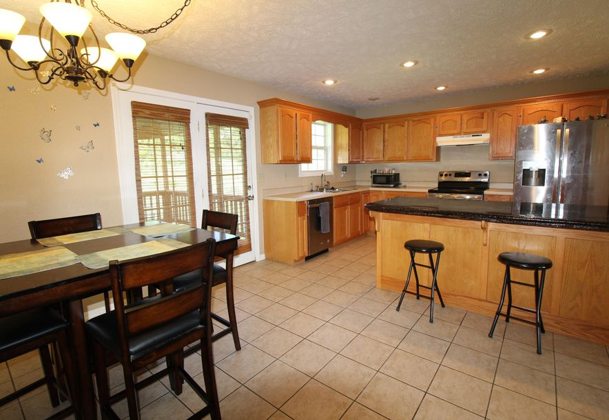 10283 Private Road 9371 West Plains, MO 65775 - Photo 4