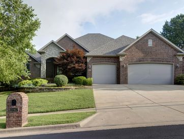 1067 West Shadowlawn Street Springfield, MO 65810 - Image 1