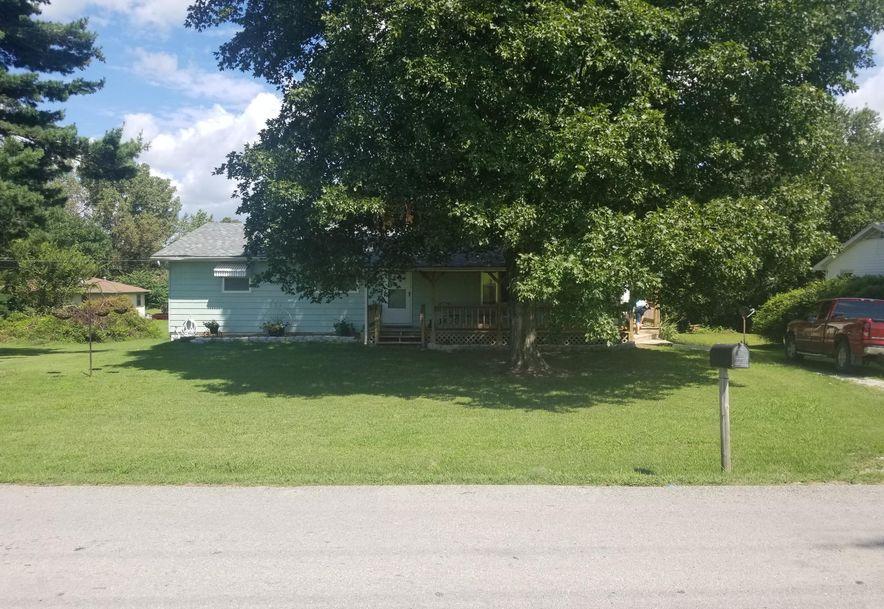 1107 South High Street El Dorado Springs, MO 64744 - Photo 2