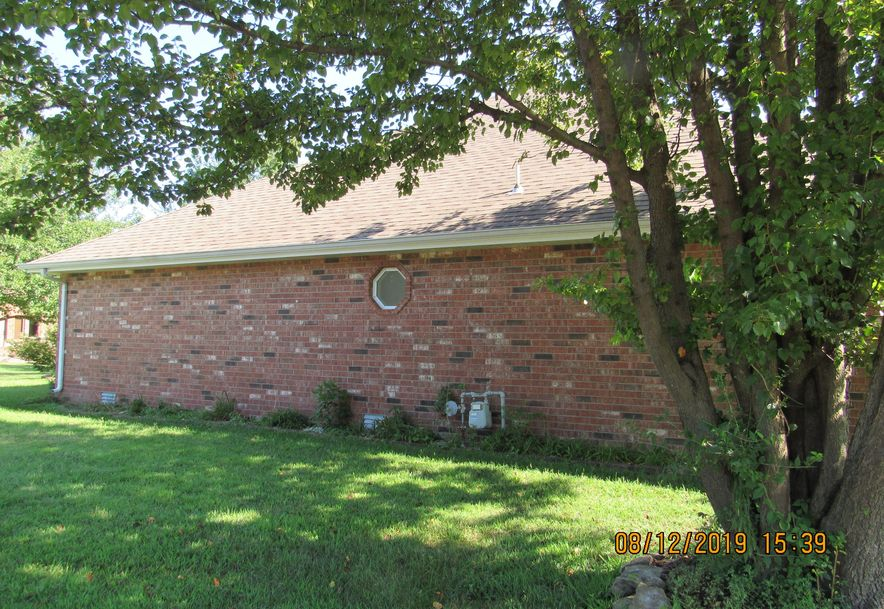 4654 South Parkhill Avenue Springfield, MO 65810 - Photo 2