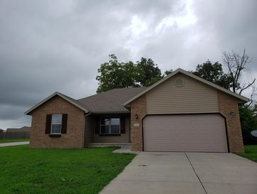 513 Bradford Pear Clever, MO 65631 - Image