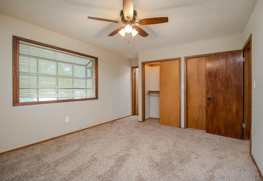2960 East Ridgeview Street Springfield, MO 65804 - Photo 16