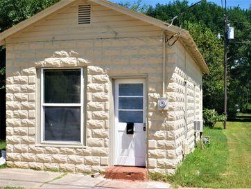 326 Mcnatt Avenue Aurora, MO 65605 - Image 1