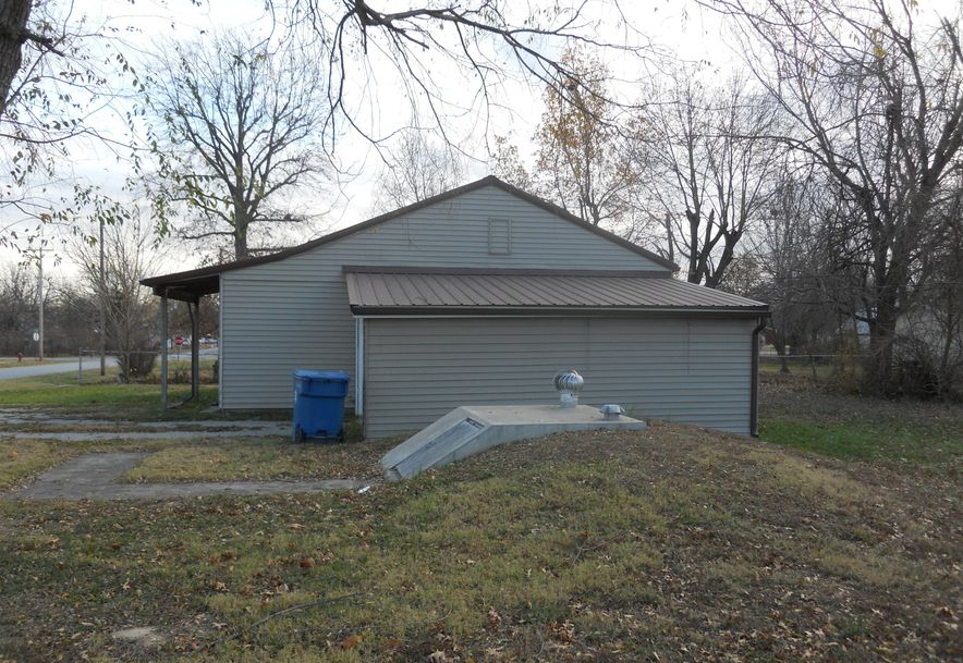 402 West Odell Marionville, MO 65705 - Photo 5
