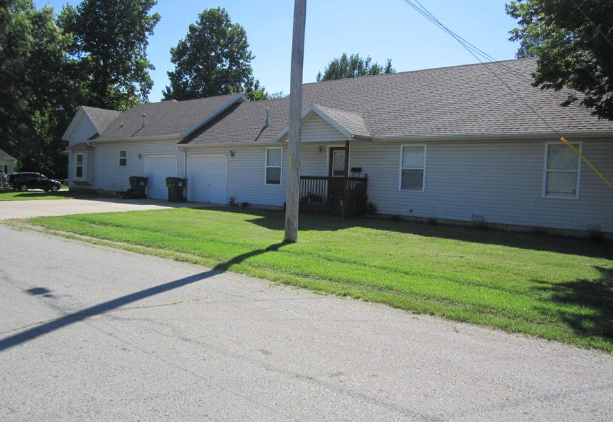 301 Jasper Street Aurora, MO 65605 - Photo 4