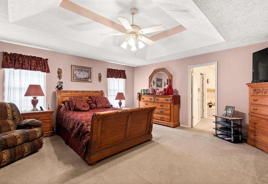 1676 Green Valley Road Clever, MO 65631 - Photo 14