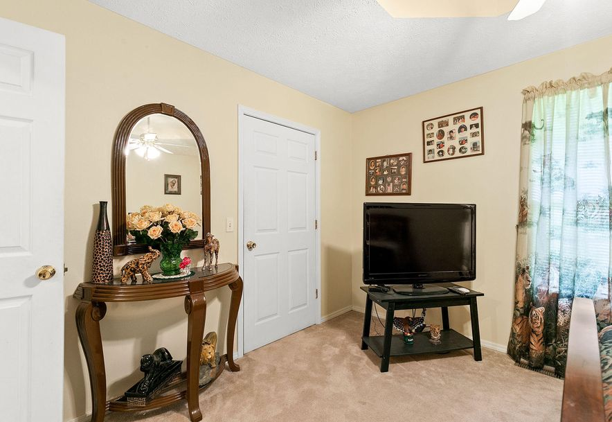 1676 Green Valley Road Clever, MO 65631 - Photo 18
