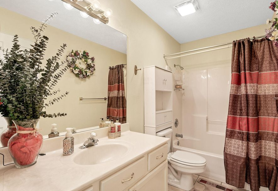 1676 Green Valley Road Clever, MO 65631 - Photo 19