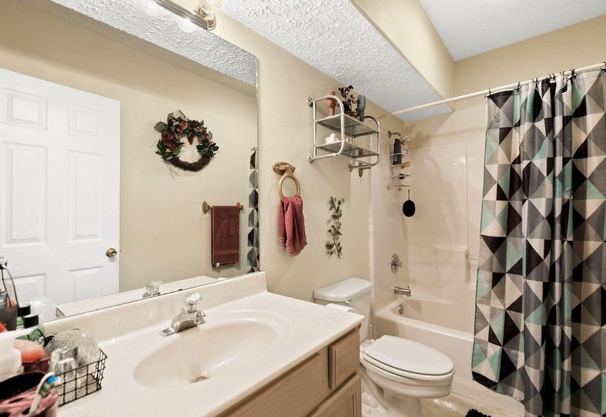 1676 Green Valley Road Clever, MO 65631 - Photo 23