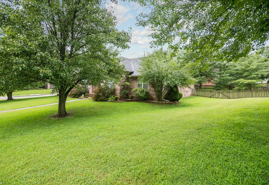 2165 South Cedar Hill Avenue Springfield, MO 65809 - Photo 2