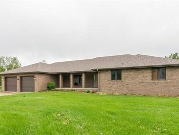1100 East 15th Street Mountain Grove, MO 65711 - Image 1