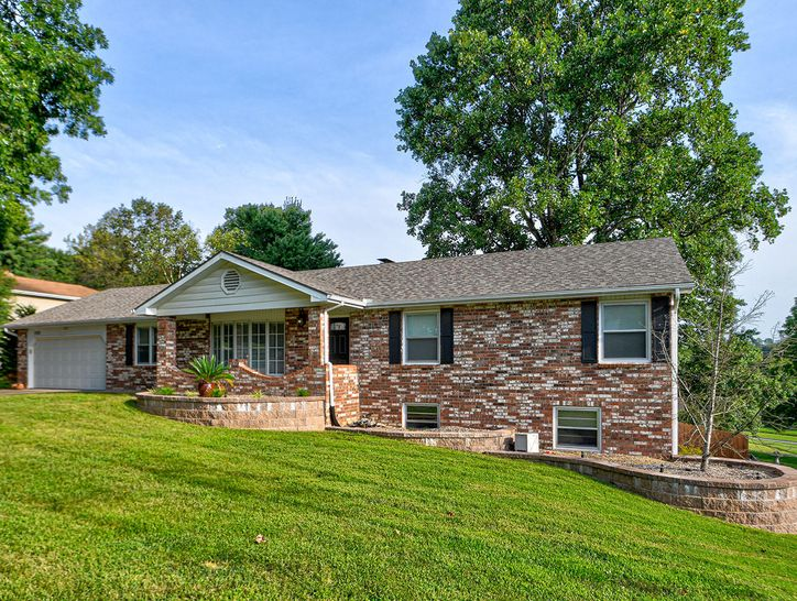 Photo of 2523 West Blossom Drive