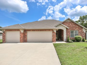 5668 East Pearson Parkway Strafford, MO 65757 - Image 1