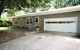 Photo Of 3221 South Pinehurst Avenue Springfield, MO 65807