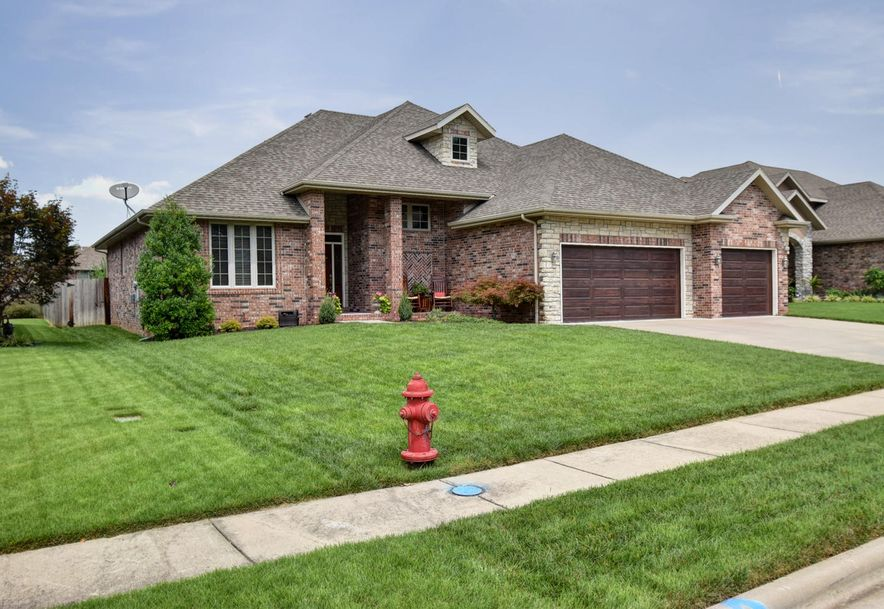 3257 West Brett Drive Springfield, MO 65810 - Photo 2