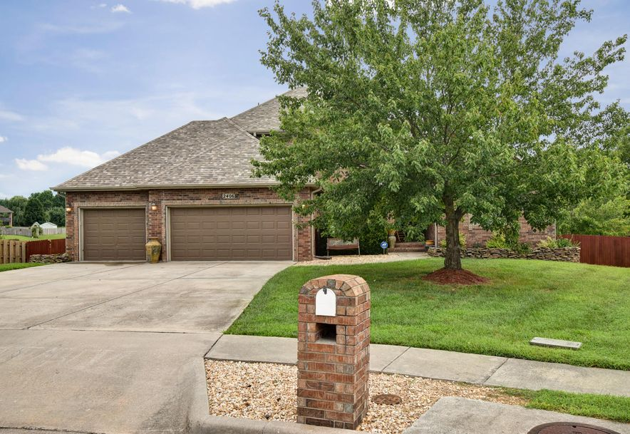 2406 South Driftwood Court Springfield, MO 65807 - Photo 2