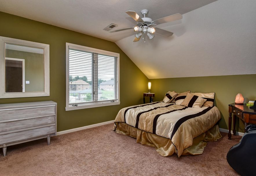 2406 South Driftwood Court Springfield, MO 65807 - Photo 32
